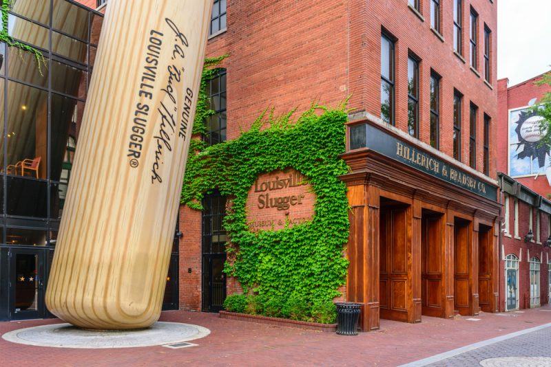 Where to dine (& drink) while in town for the Derby